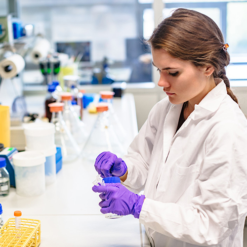 How Lab Technicians Can Stay Ahead of New Procedures and Skills